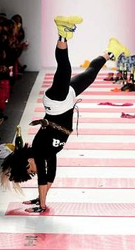Betsey Johnson handstand!