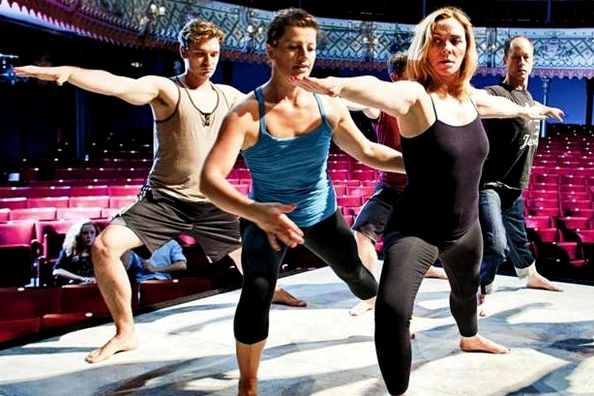 Kim Cattrall and other Sweet Bird of Youth cast members do their pre-show yoga routine | Ben Gurr /The Times