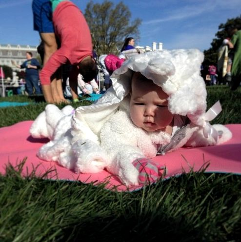 white-house-easter-yoga-2014-baby